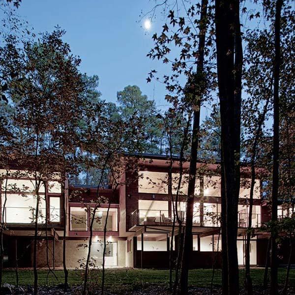 maison bois sculpturale et moderne