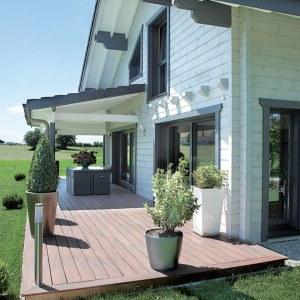 maison en bois familial avec terrasse