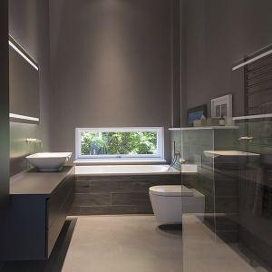 salle de bains moderne dans maison bois près de Londres