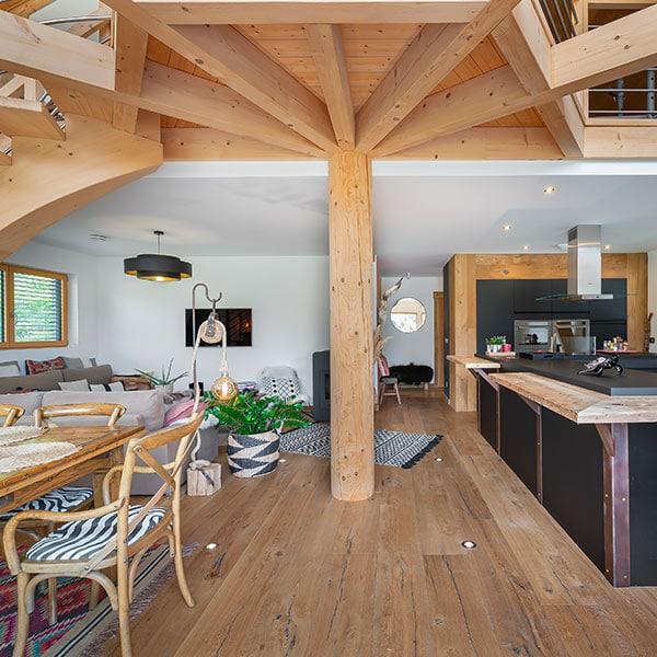 cuisine moderne ouverte avec séjour et salon