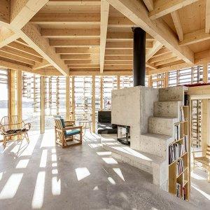 salle de séjour ouverten avec cheminée