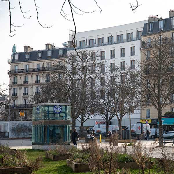auberge de jeunesse construit à CLT ce qui est respectueux de l'environnement à Paris