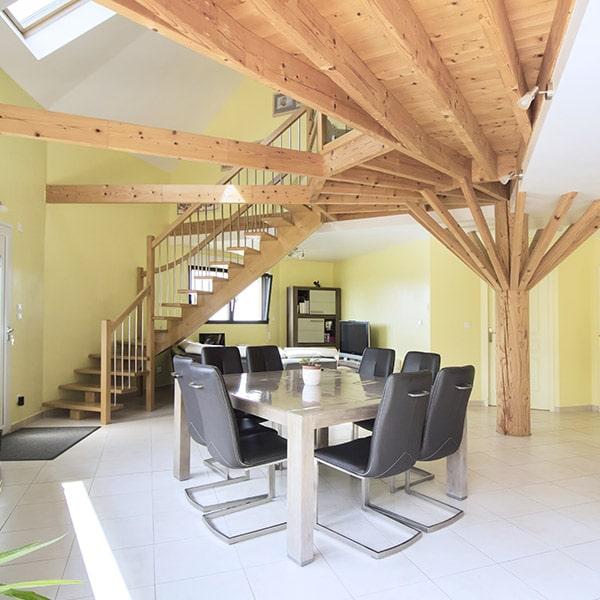 belle décoration intérieure d'une maison en kit de Maine-et-Loire