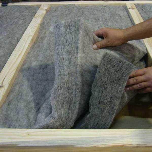 Panneaux isolants semi-rigides en laine de mouton © Cetelor