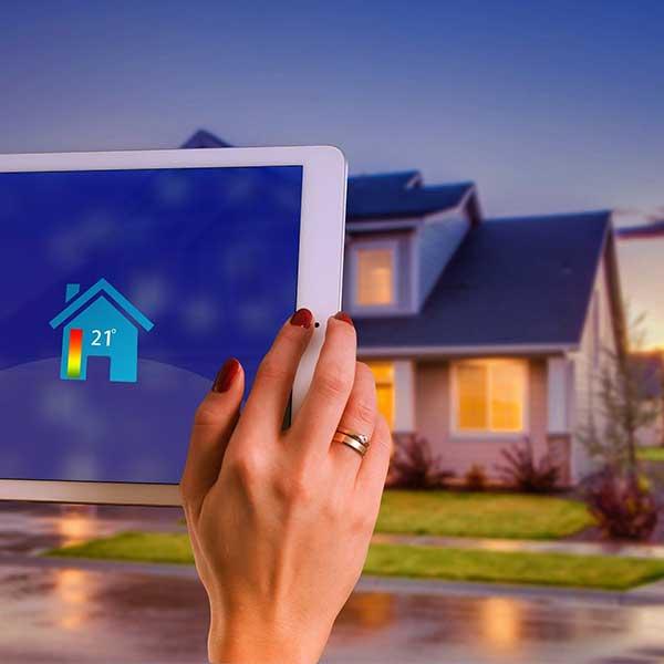 Le concept de maison intelligente avec une gestion domotique © Gerd Altmann de Pixabay