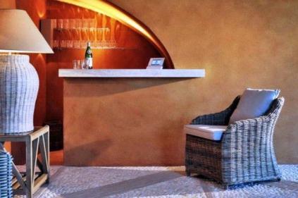 Luxury Italian Villa-home bar villa