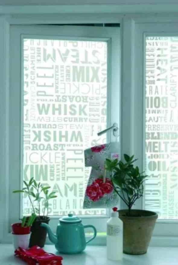 DIY kitchen windows with motivation sentences