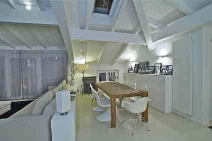 Arrestingly Beautiful White Penthouse Interiors