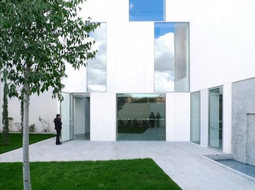 Caixa Ontinyent Cultural Centre / by Ramon Esteve