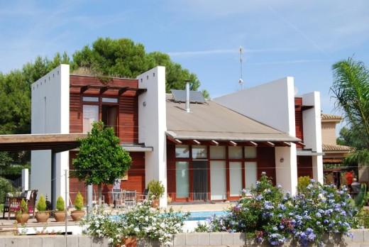 Virgin House, Valencia / by Luis de Garrido