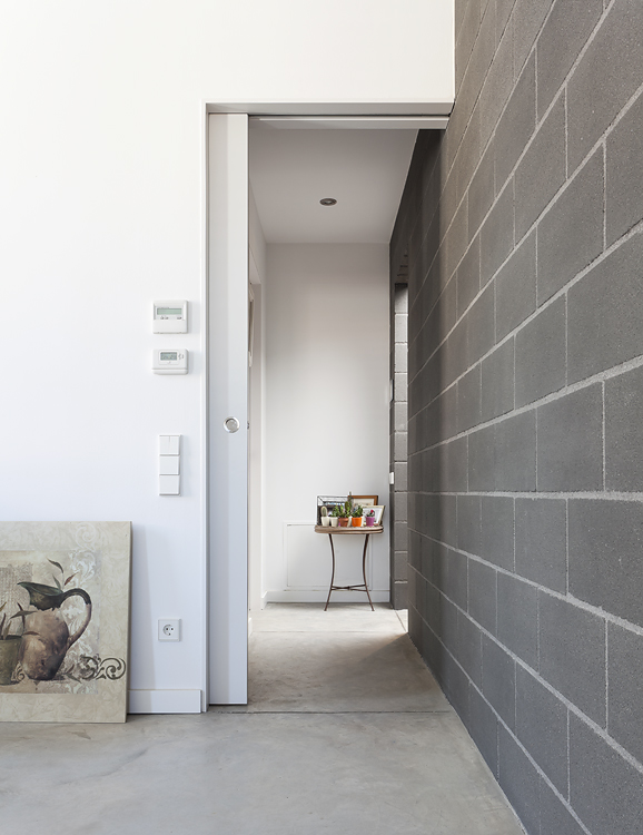 house 804 in barcelona  spain    by h arquitectes