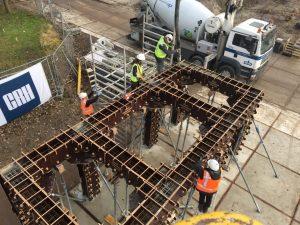 Eind 2016: een prototype van het betonskelet is getest, gestort en gerealiseerd met de eerste Nederlandse CNC gefreesde betonbekisting op het Green Village testterrein in Delft • Foto Bureaubakker