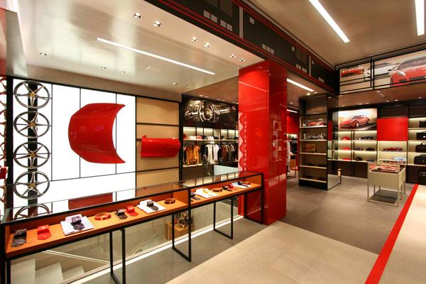 IMG_Ferrari-Store-Madrid-4