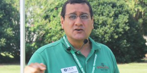 Turfgrass Disease Control with Emphasis in IPM: Fall Activities with Dr. Alfredo Martinez-Espinoza