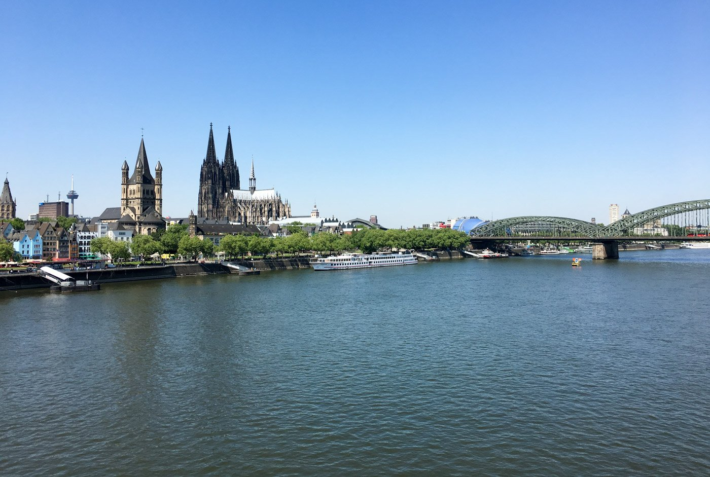 This Germany city is quite lovely and you can easily cover the basics in just one day. Here's how to spend one day in Cologne, Germany.