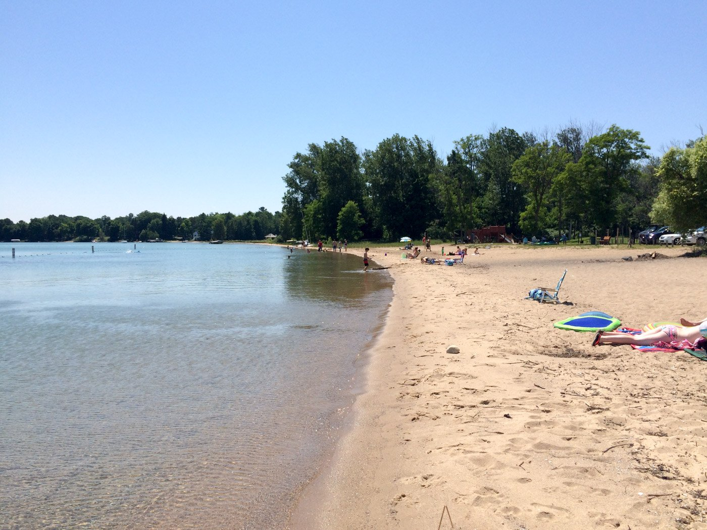 If you want a little more space and an off the beaten path beach experience,here are some of the best beaches in Traverse City for escaping those summertime crowds!