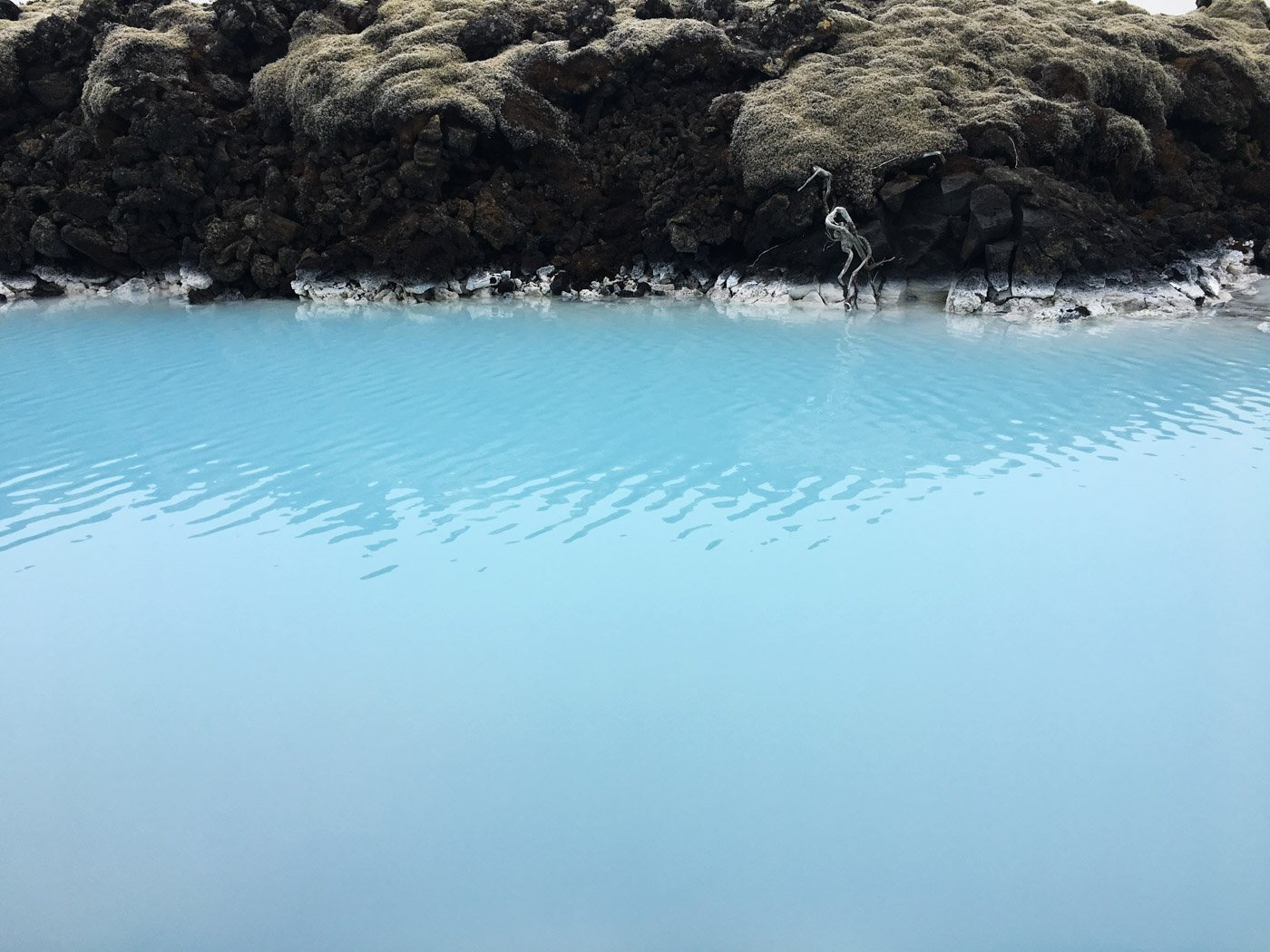 Wondering what you need to bring to the Blue Lagoon in Iceland? Here is the Ultimate Blue Lagoon Packing List: Everything you do and do not need to bring!