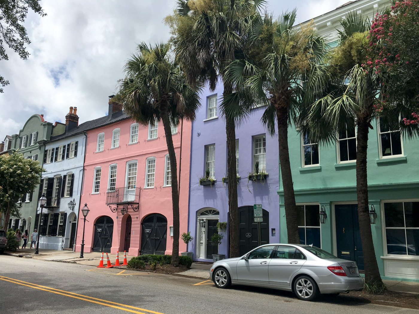 One day is just enough to whet your appetite for this charming southern city. If you only have one day in Charleston, here's what you just can't miss.