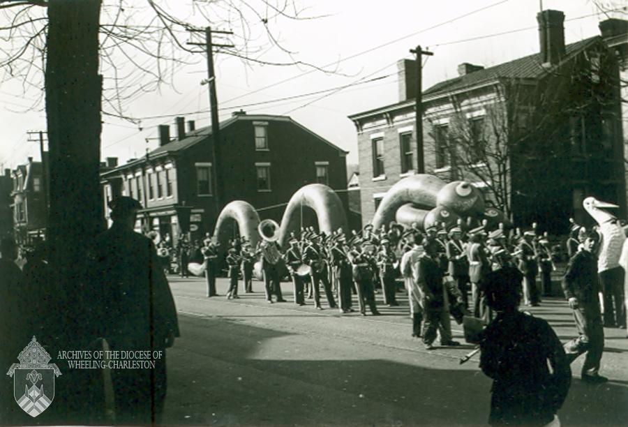 Balloon character, 1940 Wheeling Christmas Parade. Eddie Martin Collection, Diocese of Wheeling-Charleston.