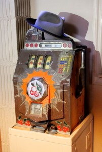 Billy's Bar slot machine, Hugh Stobbs Collection.