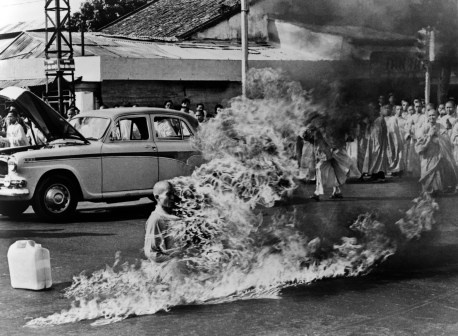 Buddhist monk Thich Quang Duc, protest Vietnamese government oppression of Buddhists, poured gasoline over his body and set himself on fire. He maintained his meditative posture as his body burned. Pulitzer Prize winning photo by Malcolm W. Browne. Saigon 1963.