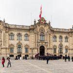 1200px-palacio_de_gobierno2c_lima2c_perc3ba2c_2015-07-282c_dd_109