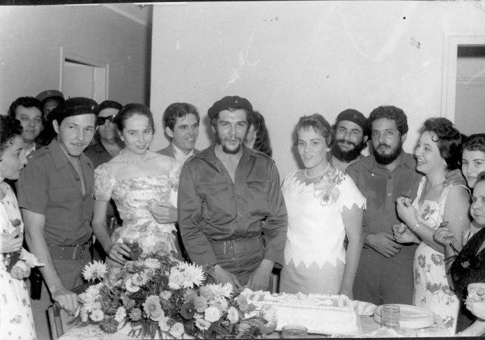 Ernesto Che Guevara (II) del Granma a la victoria rebelde