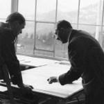 Albert Speer y Adolf Hitler trazando los planos de la Nueva Cancillería