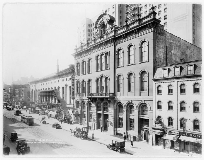 Sede de Tammany Hall en Manhattan, Nueva York (1914).