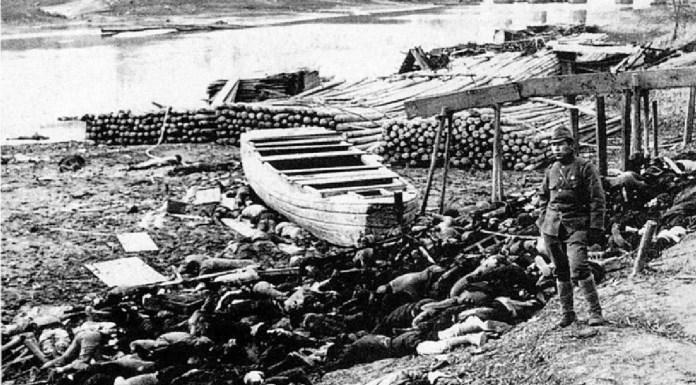 Cuerpos de víctimas a lo largo del río Yangtzé fuera de la puerta oeste de Nankín (1937). Moriyasu Murase | Wikimedia
