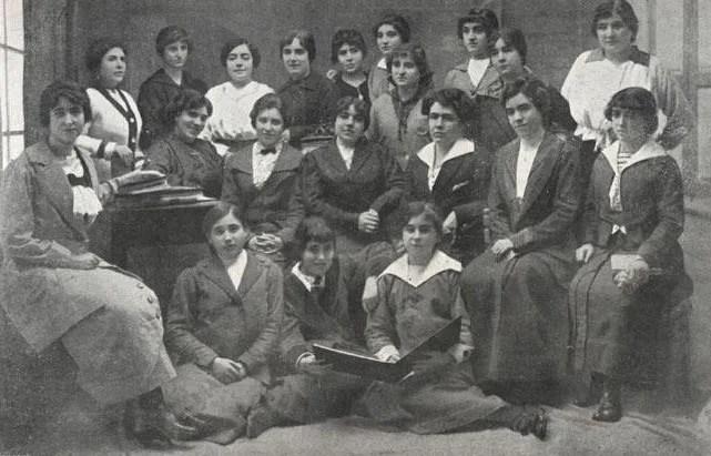 Conjunto de alumnas del Internado de Santa Teresa de Jesús de Málaga (1915)<br /> (Desconocido) | Diario Sur