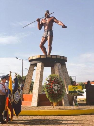 Estatua de homenaje en El actual Ecuador a líder rebelde Jumandy