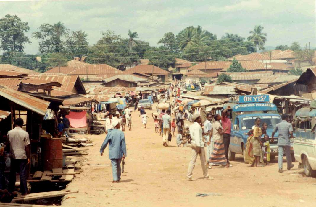 Koidu Market. (2007). Brian Harrington Sprier.