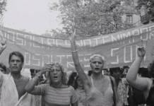 Homosexuales manifestándose contra la LPRS