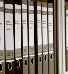 """""""Falta uma efetiva política nacional para os arquivos, em função da inexistência de uma efetiva Política Nacional para a Informação"""": Entrevista com Carlos Guardado da Silva"""