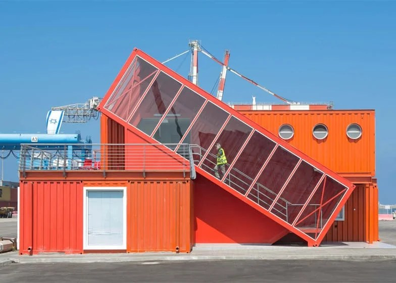 44 incredible shipping container homes and structures for Structure container maritime