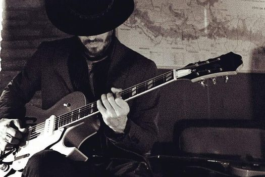 Opez feat Aimone Marziali live Bevitori Longevi