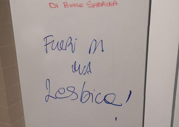 """Omofobia, all'ospedale di Lecco """"Fuori da qua lesbica"""" sull'armadietto di una dipendente. Arcigay: """"Dove non esistono prevenzione né sanzioni l'odio è fuori controllo"""""""