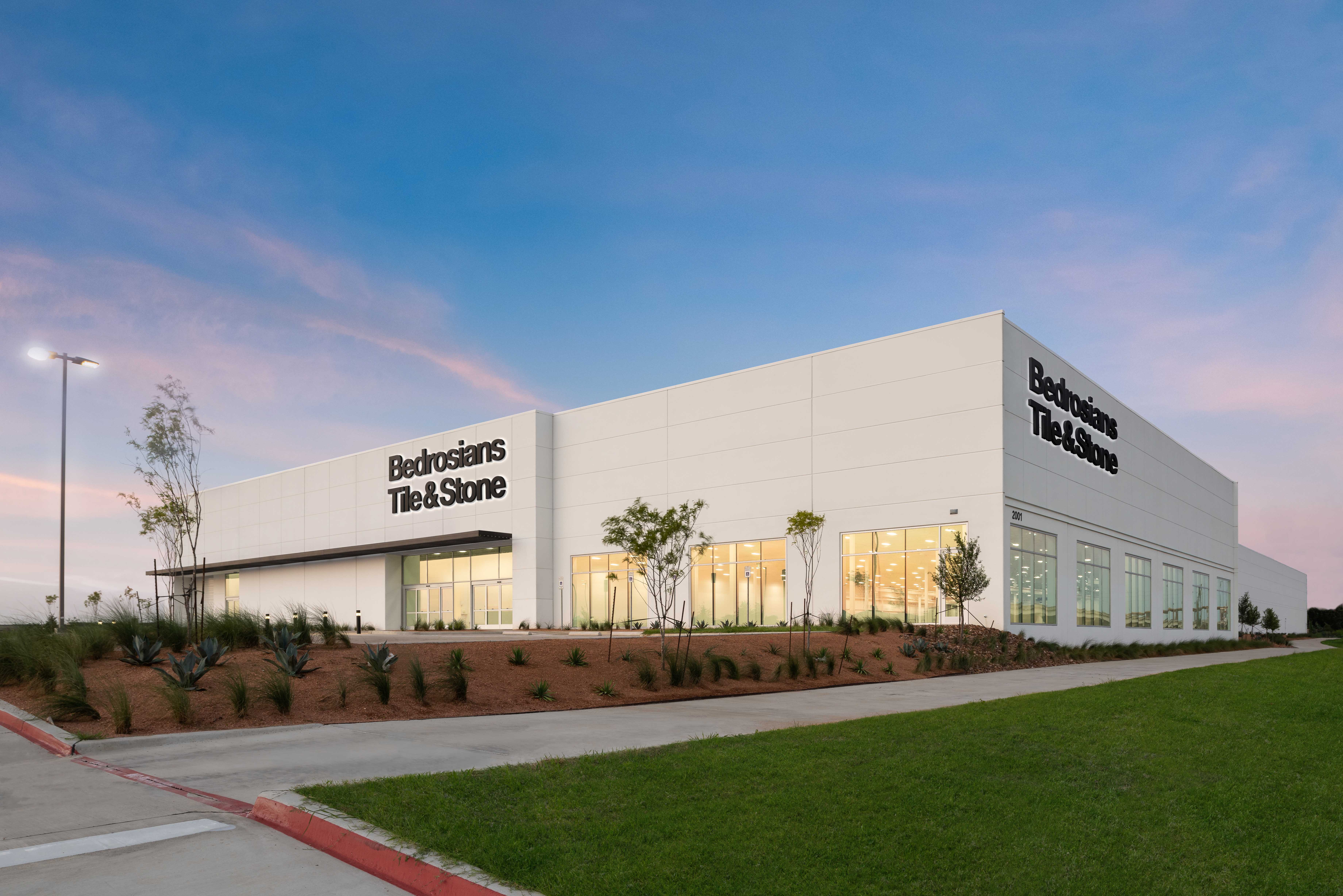 arco murray completes 114 000 sf warehouse and showroom in farmers branch tx arco murray