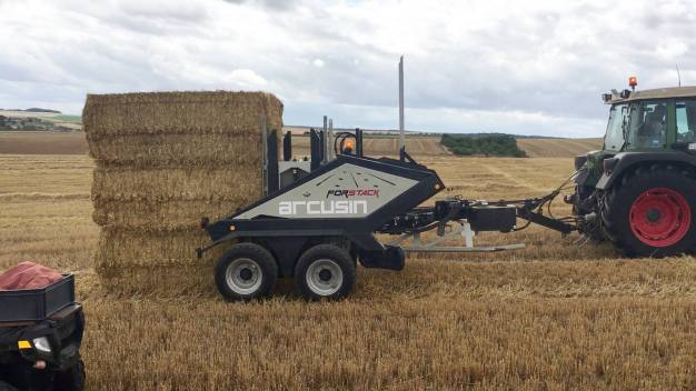 ARCUSIN ACCUMULATEUR BALES BALE CHASER FORSTACK FRANCE 8