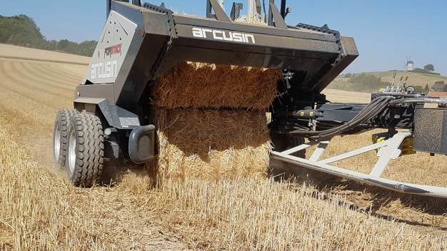 ARCUSIN-FORSTACK-BALE-CHASER-ACCUMULATOR-FRANCE-GERMANY-PACAS-FORRAJE-26