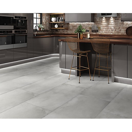 installation of large format tiles