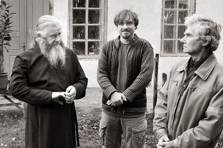 Между двух отцов. Известный композитор и музыкант Геннадий Дьяконов со своим отцом в гостях у отца Гурия