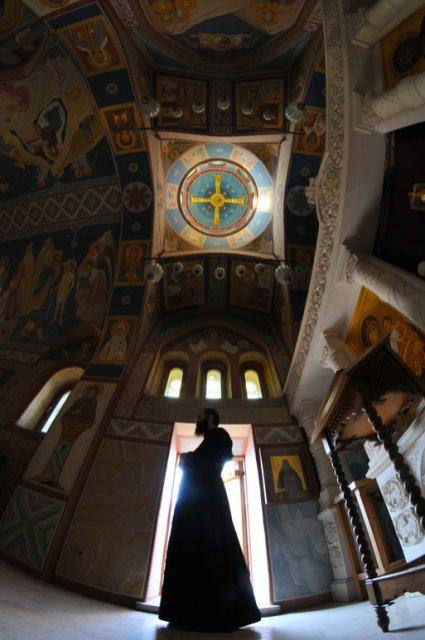 И снова я в Зверинецком монастыре. Живые фотографии о вечном 24