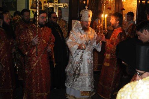 Фоторепортаж из Свято-Троицкого Ионинского монастыря о праздновании Светлого праздника Пасхи 43