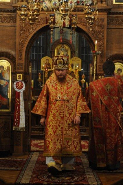 Фоторепортаж из Свято-Троицкого Ионинского монастыря о праздновании Светлого праздника Пасхи 57