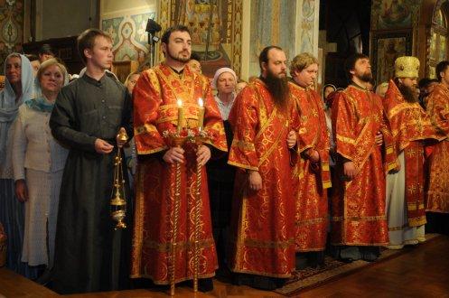 Фоторепортаж из Свято-Троицкого Ионинского монастыря о праздновании Светлого праздника Пасхи 121