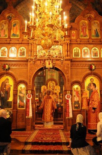 Фоторепортаж из Свято-Троицкого Ионинского монастыря о праздновании Светлого праздника Пасхи 179