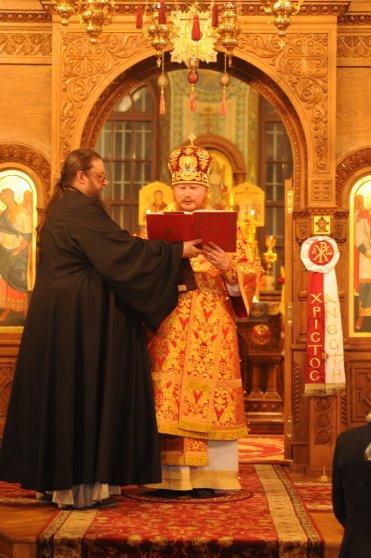 Фоторепортаж из Свято-Троицкого Ионинского монастыря о праздновании Светлого праздника Пасхи 191
