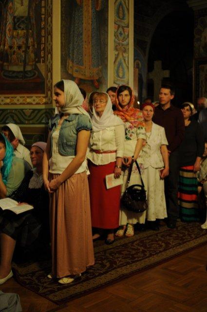 Фоторепортаж из Свято-Троицкого Ионинского монастыря о праздновании Светлого праздника Пасхи 317